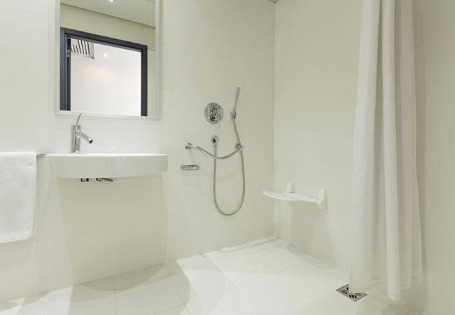 Welke Schroeven Badkamer : Inrichting renovatie badkamers toilet ziekenhuis zorgcentra