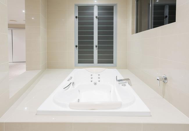 Whirlpool Kleine Badkamer : Wellness badkamer renoveren inrichten tips foto s inspiratie